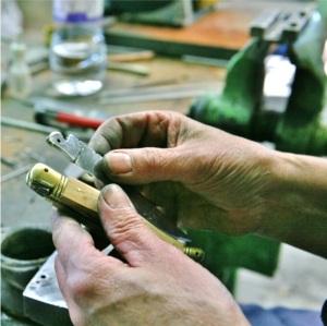 assemblage de la lame du couteau